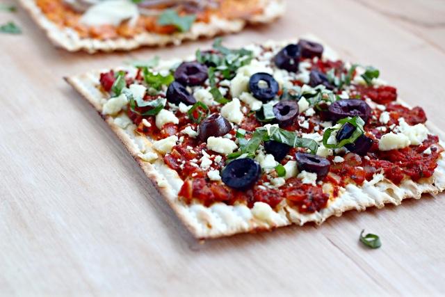 Matzah-pizza on a plate
