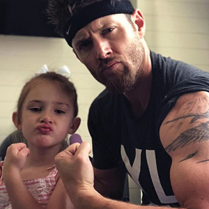 Jensen ackles and his daughter flexing