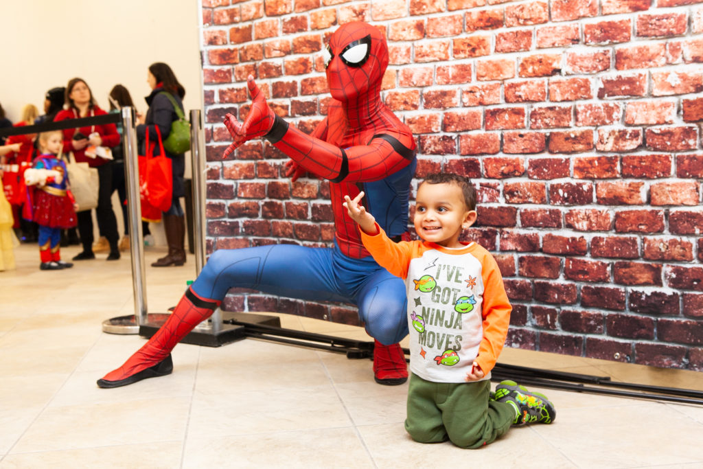 Spider Hero and child at Hero Con