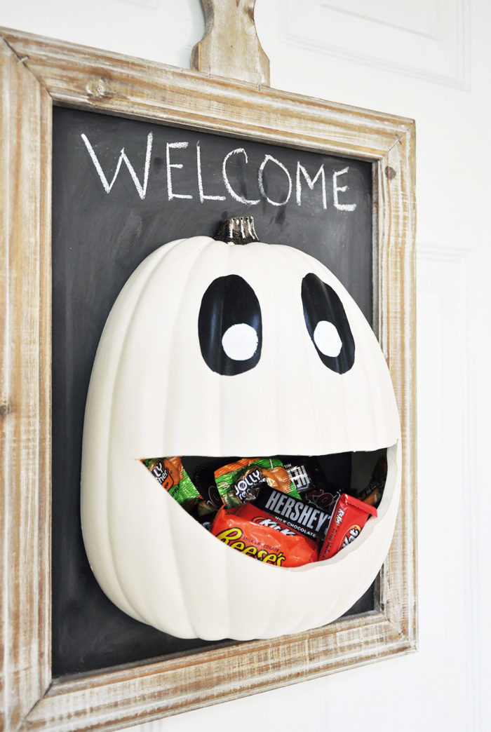 Candy door hanger
