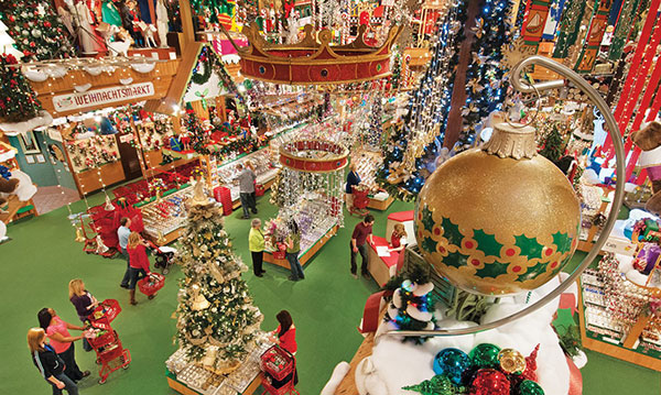 A shopping center decorated for Christmas