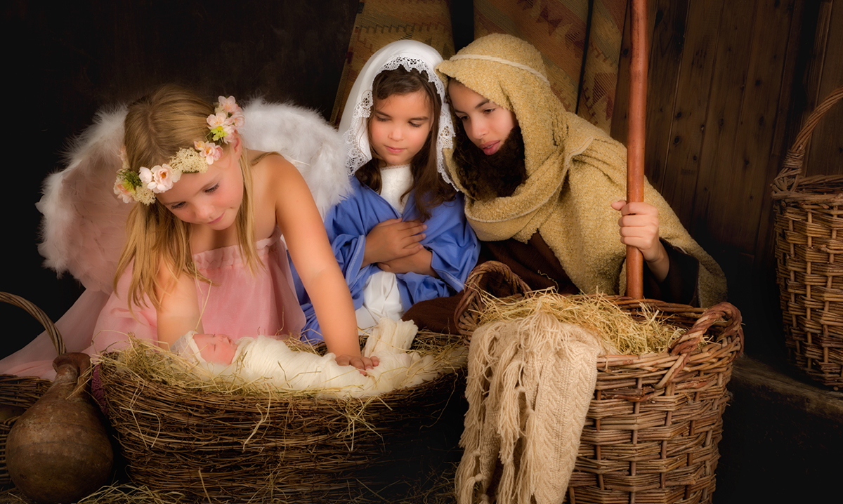 Kids acting out the nativity