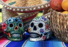 Two ceramic sugar stalls in an ofrenda