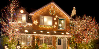 A house decorated for the holidays