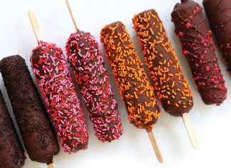 Dipped popsicles from Bombshell Treat Bar