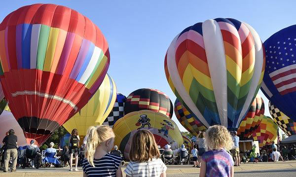 Balloon displays at the Michigan Challenge Balloonfest