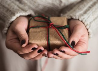 gifts-that-give-back