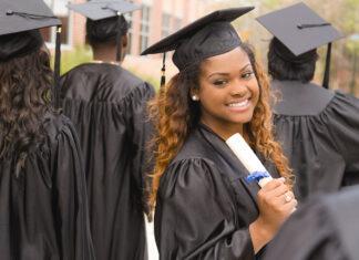 college-checklist-senior-istock-fstop123